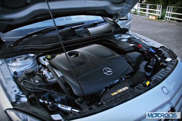 Merceds GLA Class engine (1)