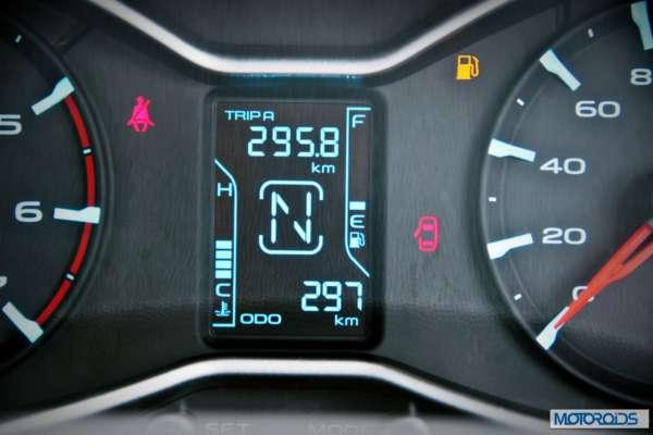 New 2014 Mahindra Scorpio interiors (22)