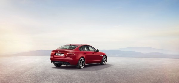 New 2016 Jaguar XE officially revealed Images and details (11)