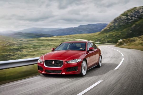 New 2016 Jaguar XE officially revealed Images and details (20)