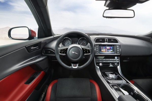 New 2016 Jaguar XE officially revealed Images and details (27)