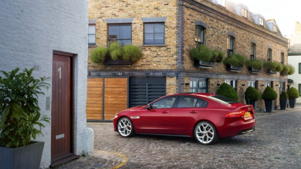 New 2016 Jaguar XE officially revealed Images and details (30)