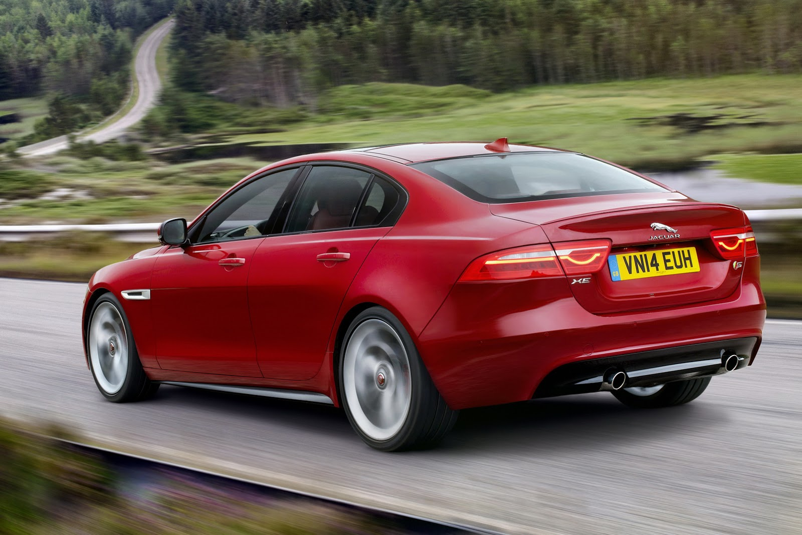 new 2016 jaguar xe officially revealed images and details motoroids. Black Bedroom Furniture Sets. Home Design Ideas