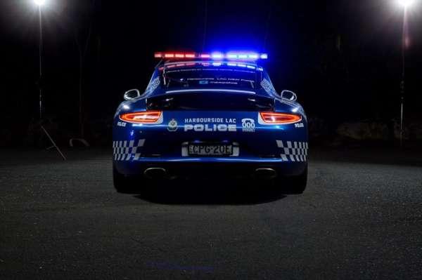 Porsche 911 Carrera cop car (1)
