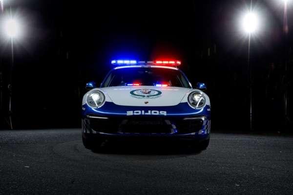 Porsche 911 Carrera cop car (3)