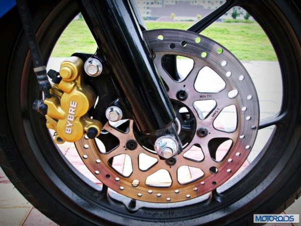 Suzuki-Gixxer-155-Review-Front-Disc-Brake