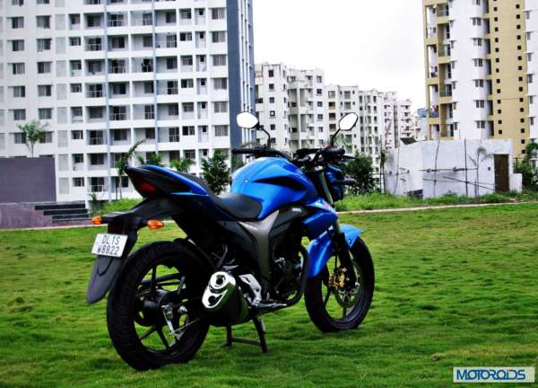 Suzuki-Gixxer-155-Review-Image-Right-Rear-Three-Quarter-1