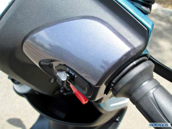 TVS Scooty Zest 110 Review (46)