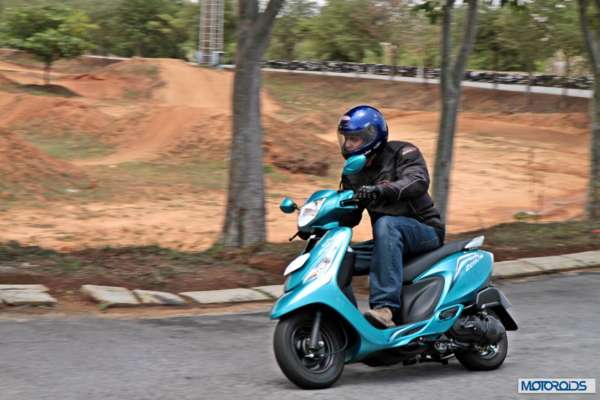 TVS Scooty Zest 110 Review (58)