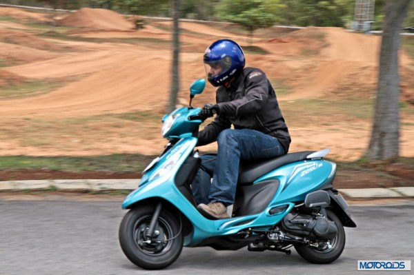 TVS Scooty Zest 110 Review (59)
