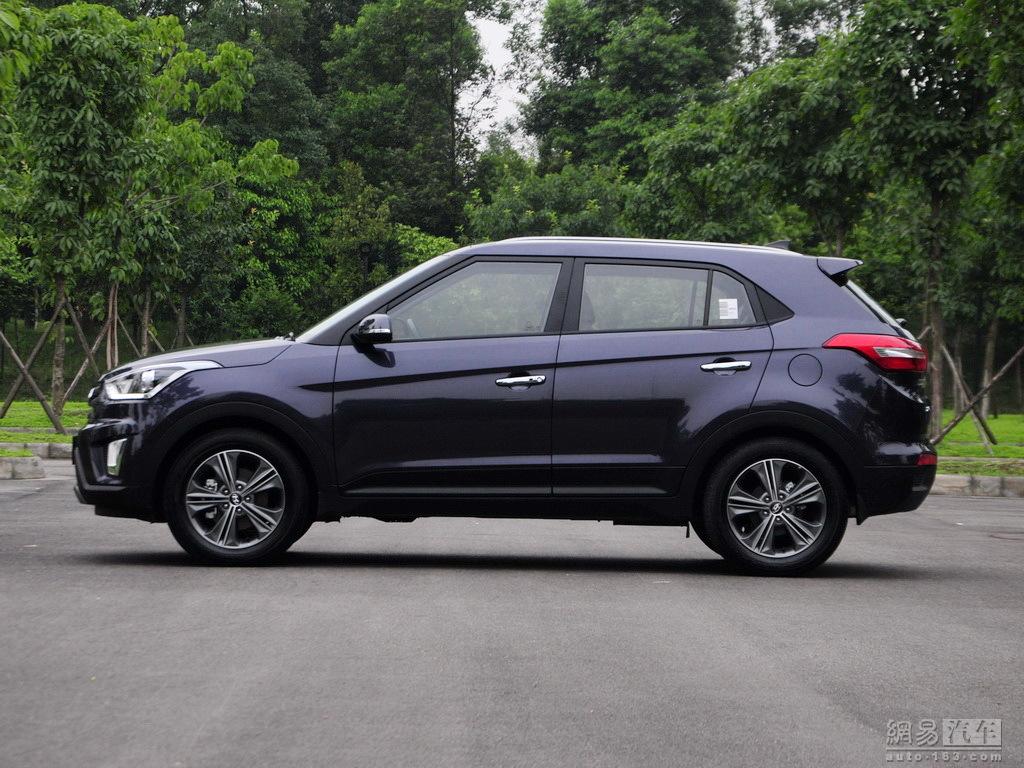 Upcoming Hyundai Ix25 Compact Suv Detailed Images Motoroids