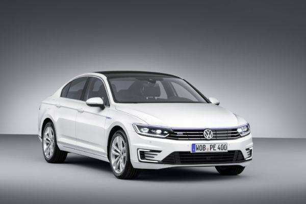 Volkswagen-Passat-GTE-Official-Image-1