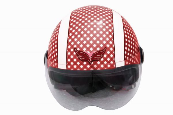 Yamaha Encourages Helmet Use by Pillion Riders; Launches Customised Helmets for Women and Children (1)