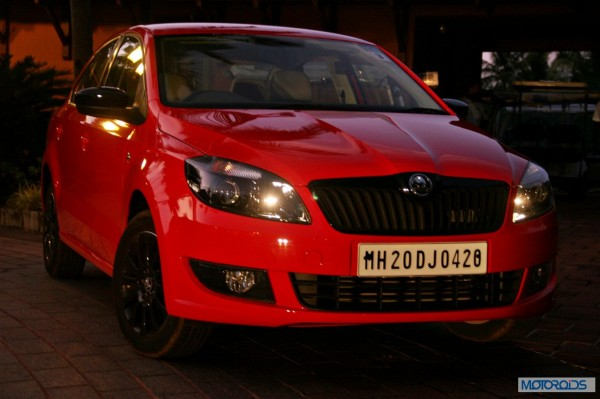 new 2014 skoda rapid black edition (7)