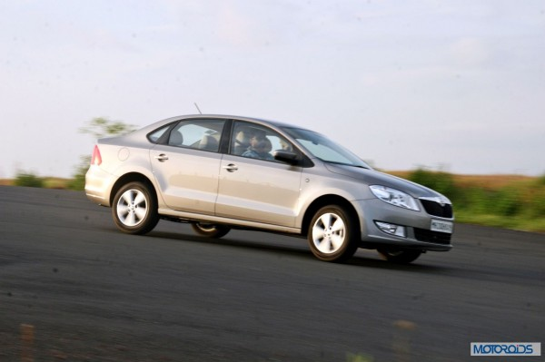 new 2014 skoda rapid india side (7)