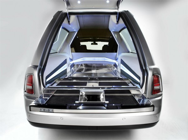 03-rolls-royce-phantom-hearse