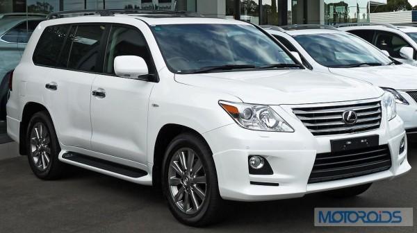 1024px-2010-2011_Lexus_LX_570_(URJ201R_MY10)_Sports_Luxury_wagon_(2011-04-22)