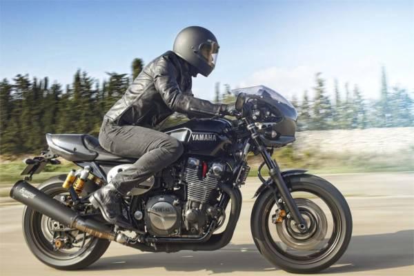 2015 Yamaha XJR 1300 (87)