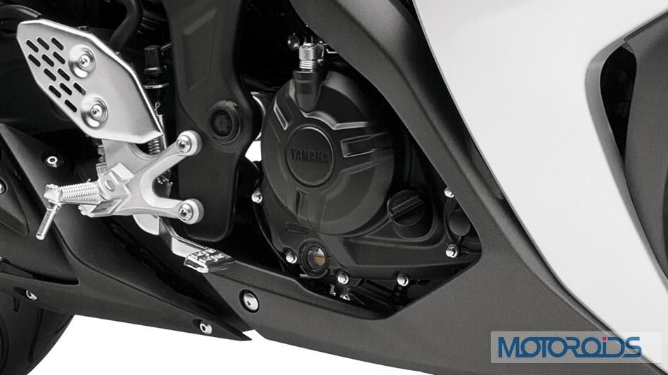 2015-Yamaha-YZF-R3-Official-Details (15)