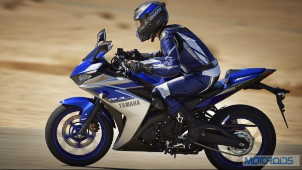 2015-Yamaha-YZF-R3-Official-Details (6)