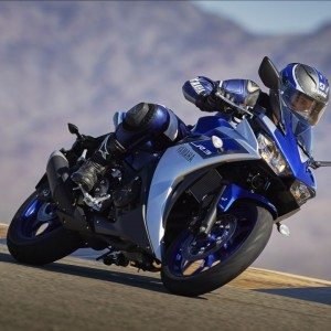 2015-Yamaha-YZF-R3-Official-Details (9)