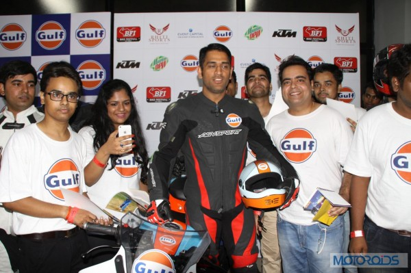 Gulf-Oil-Ride-With-Dhoni (6)