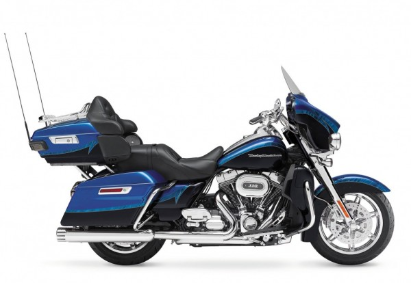Harley-Davidson-CVO-Limited-blue-black