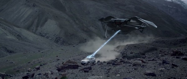 Hyundai-Santa-Fe-Catches-Aliens-2