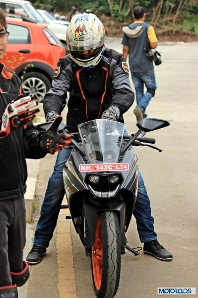 KTM RC 200 Track review (8)