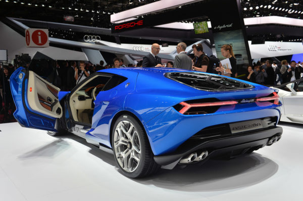 Lamborghini Asterion LPI 910-4 At Paris Motor Show (2)