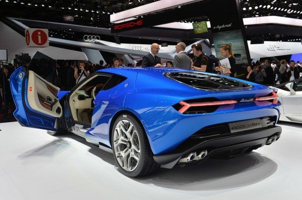 Lamborghini-Asterion-LPI-910-4-At-Paris-Motor-Show-2-600x398