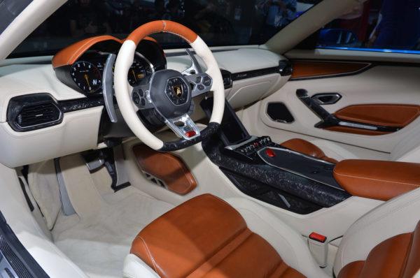 Lamborghini Asterion LPI 910-4 At Paris Motor Show (8)
