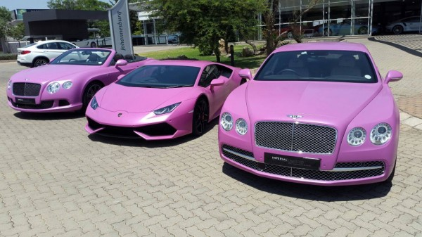 Pink Lamborghini Huracan for Breast Cancer Awareness (3)
