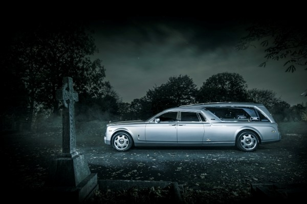 Rolls-Royce Phantom Hease for Halloween (3)