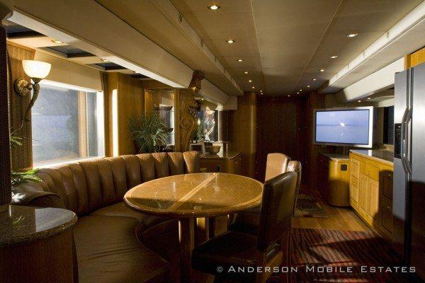 The Heat A 5-Star Luxury Hotel on wheels (10)