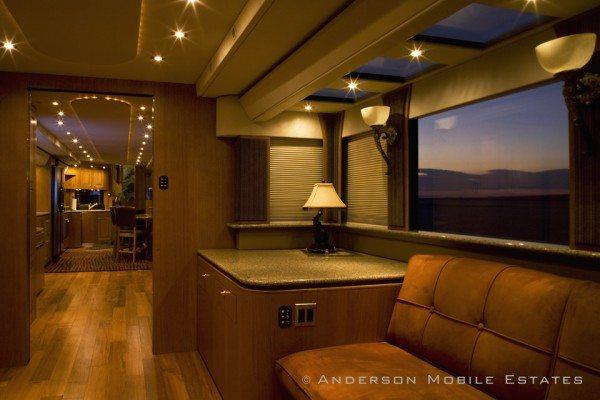 The Heat A 5-Star Luxury Hotel on wheels (8)