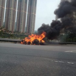 Fire incinerates a Ferrari F430 in Hong Kong