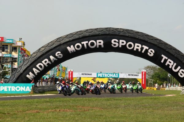 1-SuperSports-600cc-Race-at-the-MMRT-in-2011.jpg.pagespeed.ce.Be5_kvN4FF