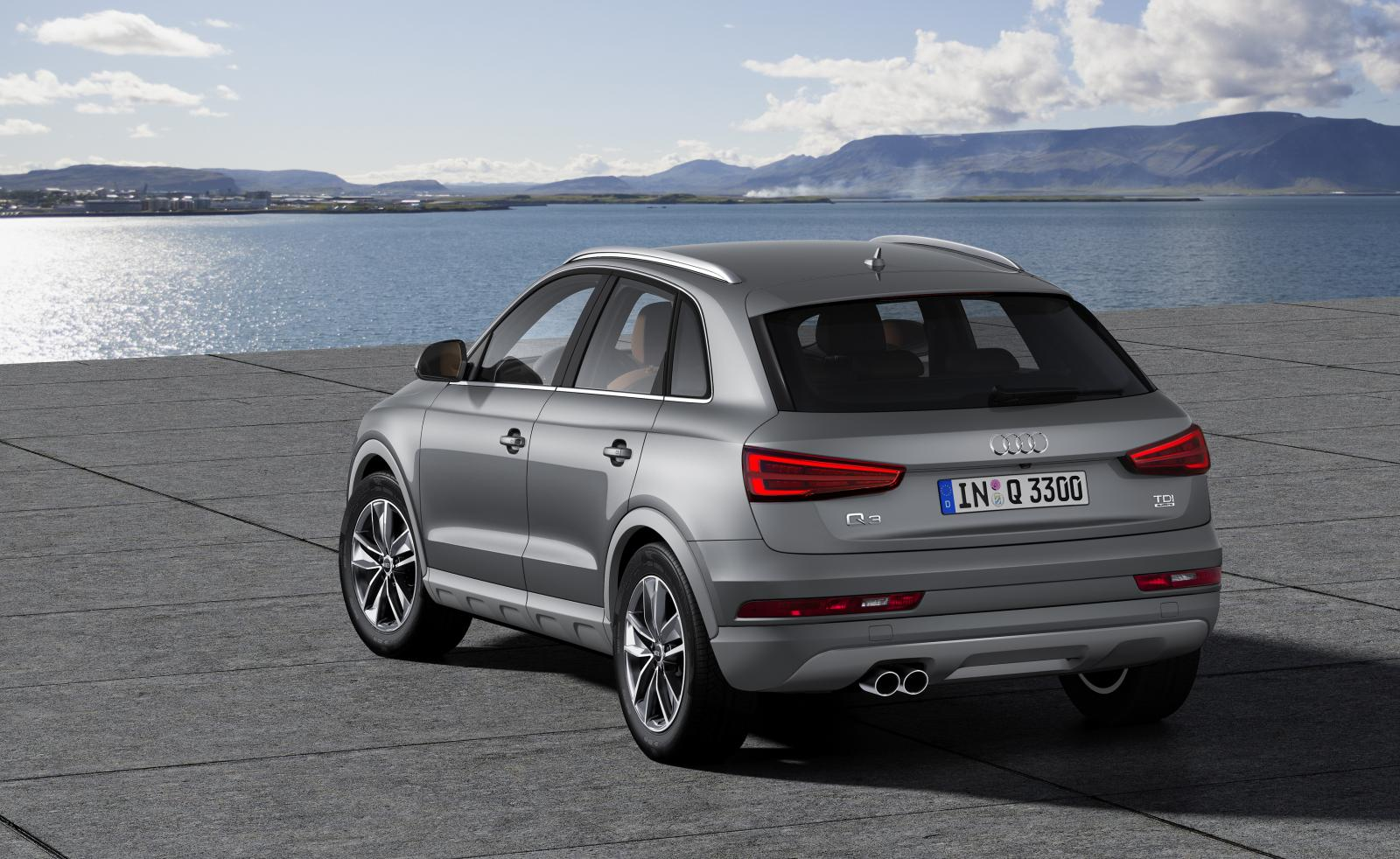 2015 audi q3 face lift design review motoroids. Black Bedroom Furniture Sets. Home Design Ideas