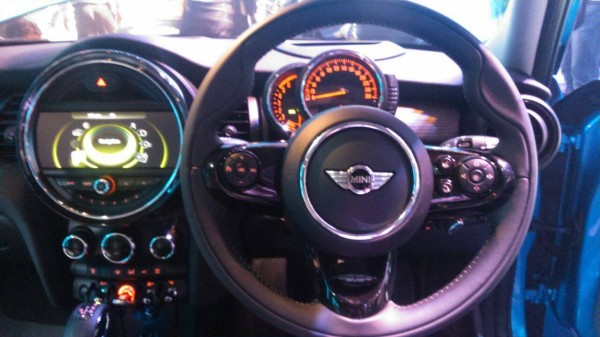 2015 Mini 3-door interior