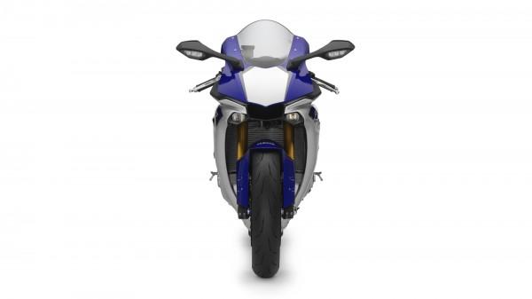2015-Yamaha-YZF-R1-EU-Race-Blu-Studio-008