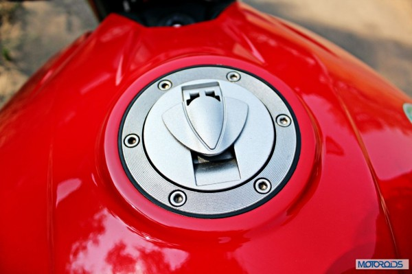 Benelli-BN600i-fuelcap-closed