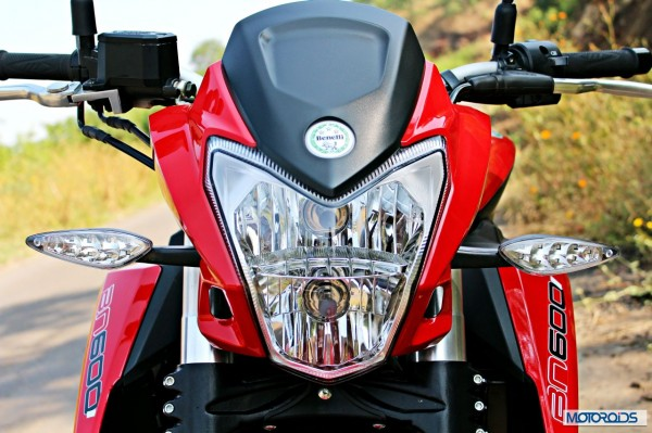 Benelli-BN600i-headlight