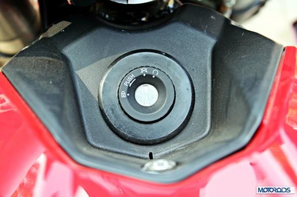 Benelli-BN600i-key-hole
