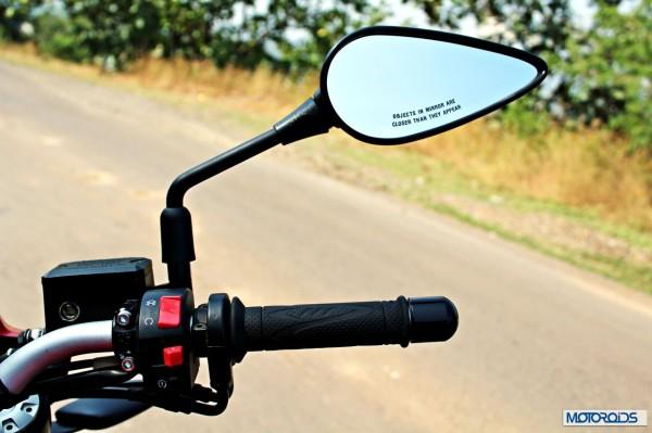 Benelli-BN600i-right-handlebar