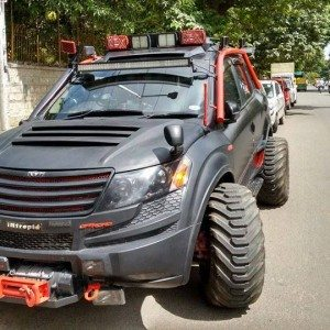 Five outrageously modified suvs in india motoroids for Xuv 500 exterior modified