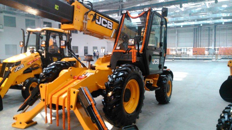 Jcb India Inaugurates Two New Factories In Jaipur Motoroids