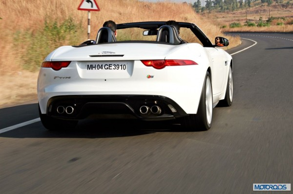 Jaguar F-Type V8 S Convertible action (3)