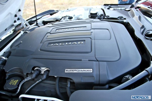 Jaguar F-Type V8 S Convertible engine (1)