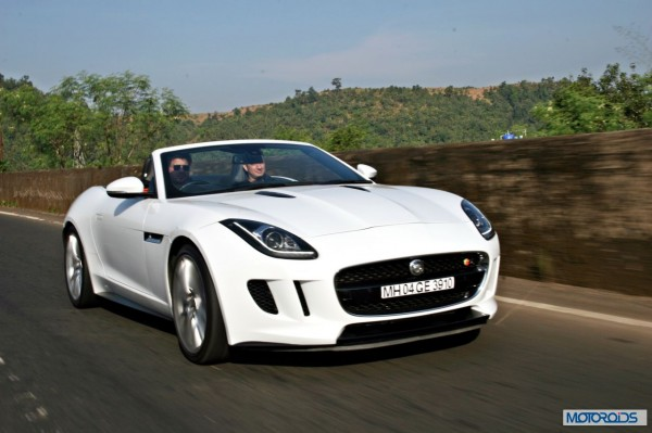 Jaguar F-Type V8 S Convertible white (4)